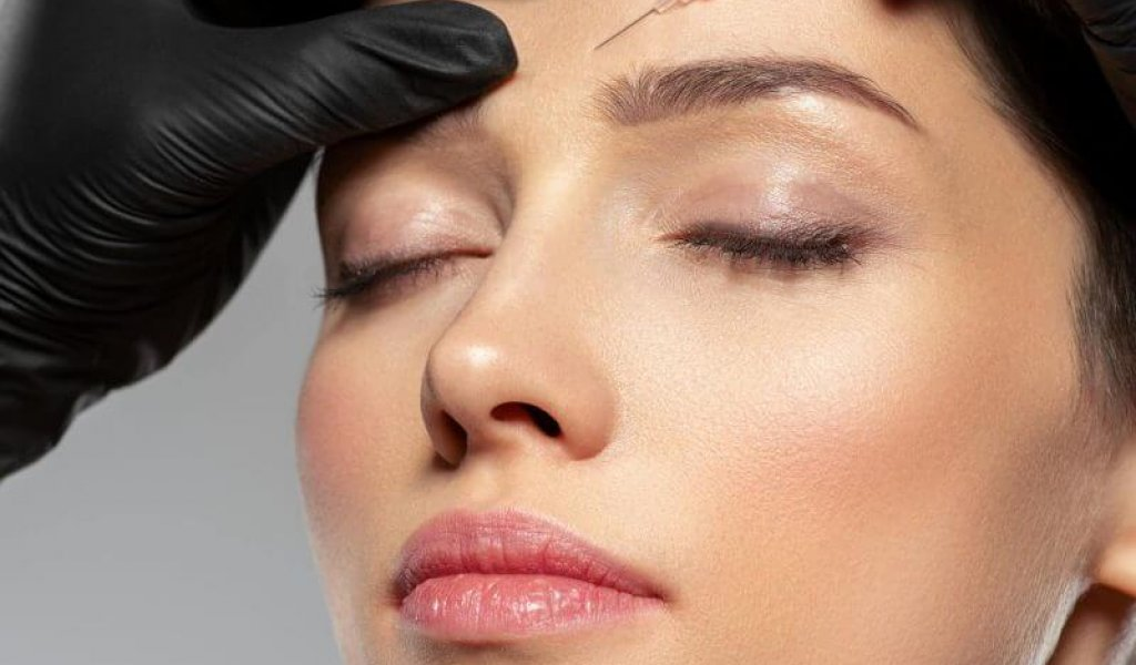 botox cosmetic injection in forehead.
